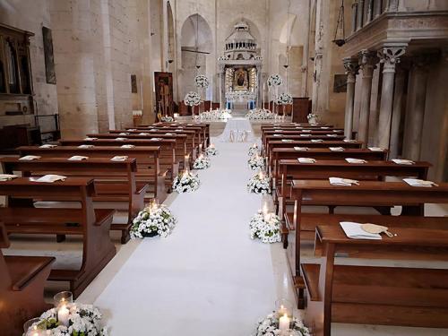 wedding-flower-matrimonio-cattedrale-barletta-margherite-bianche-2
